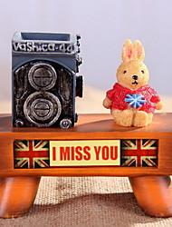 Continental British Cartoon Rabbit Pencil Case Resin Craft Ornaments (Random Colors)