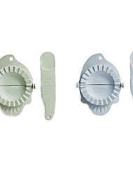 Fish Shape Wheat Straw Dumplings Device and Spoon Filling Pie Gadget Be Hanging Dumplings Mold Kitchen(Random Color)