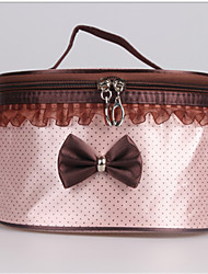 Sweet Lady With A Butterfly Knot And Make-Up Bag Bucket Bag