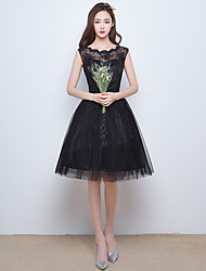 Cocktail Party Dress A-line Scoop Knee-length Tulle with Appliques