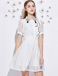 Trapèze Robe Femme Sortie Mignon,Broderie Col de Chemise Au dessus du genou Manches Courtes Blanc / Noir Polyester Eté Taille HauteNon
