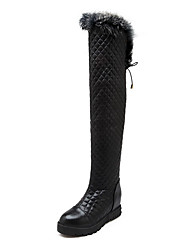 Women's PU Kitten-Heels Round Closed Toe Solid Chains Boots