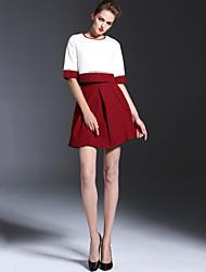 Damen Einfarbig Einfach Lässig/Alltäglich T-shirt Rock Anzüge,Rundhalsausschnitt Sommer ½ Länge Ärmel Rot Polyester Undurchsichtig