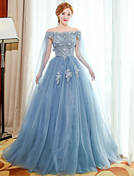 Formal Evening Dress Ball Gown Off-the-shoulder Floor-length Tulle with Flower(s) / Lace