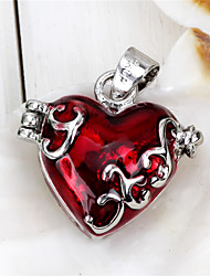Hollow Heart-shaped Pendant