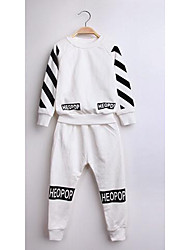 Jungen T-Shirt / Hose / Kleidungs Set-Lässig/Alltäglich einfarbig Baumwolle Frühling / Herbst Rot / Weiß
