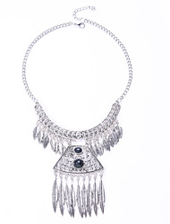 The European and American Fashion Metal Necklace Simple and Easy Double Tassel Leaves Necklace