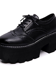Femme Chaussures Polyuréthane Printemps Automne Confort boîtes de Combat Oxfords Talon Plat Bout rond Elastique Pour Noir Marron