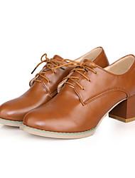 Feminino-Saltos-Sapatos com Bolsa Combinando-Salto Grosso-Preto / Marrom / Branco-Courino-Escritório & Trabalho / Casual