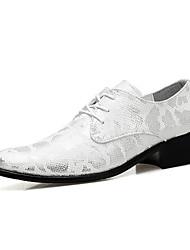Masculino sapatos Couro Primavera Verão Outono Inverno Conforto Sapatos formais Oxfords Caminhada Cadarço Para Casamento Festas & Noite