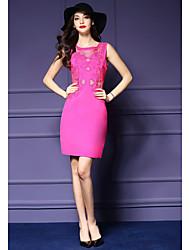 Damen Hülle Kleid-Ausgehen Übergröße Anspruchsvoll Stickerei Rundhalsausschnitt Übers Knie Ärmellos Rot Polyester Sommer Mittlere Hüfthöhe