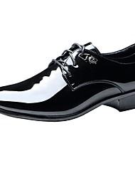 Masculino sapatos Couro Envernizado Primavera Verão Outono Inverno Conforto Oxfords Para Casual Festas & Noite Preto