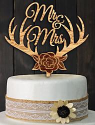 Wooden bridal MR MRS antlers cake inserted card custom wedding cake