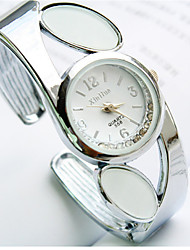 Fashion Watch Quartz Alloy Band Charm Silver
