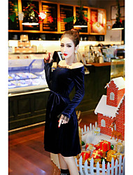 sexy signe de nouvelles dames de boîte de nuit col en velours or épissage de fils net mis sur une grande robe taille talonnage