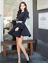2017 nouveau printemps noir et blanc couleur de sorts petit vent parfumé vent trompe trompette à manches longues jupe chaussure de fond