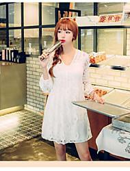 Sign autumn new V-neck waist skirt doll dress Korean long-sleeved lace dress women long section