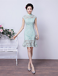 Cocktail Party Dress - Vintage Inspired Sheath / Column High Neck Short / Mini Lace with Lace