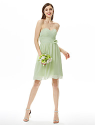 Sheath / Column Strapless Sweetheart Knee Length Chiffon Bridesmaid Dress with Flower(s) Criss Cross Ruching Pleats by LAN TING BRIDE®