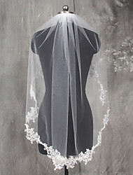 White / Ivory Bride Wedding Veil One-tier Shoulder Veils Fingertip Veils Communion Veils Lace Applique Edge Lace Tulle With Comb