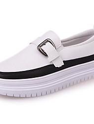 Для женщин Мокасины и Свитер Удобная обувь Осень Полиуретан Для праздника На плоской подошве Черный Бежевый 4,5 - 7 см