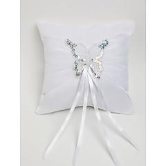 Обручальное кольцо подушка в белой атласной с бабочкой украшенный