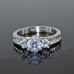 Midi Rings Imitation Diamond Love Luxury Bridal Stainless Steel Zircon Cubic Zirconia Round Crown Silver Jewelry ForWedding Party Daily