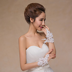 Wrist Length Fingerless Glove Lace Bridal Gloves / Party/ Evening Gloves Spring / Summer / Fall / Winter Beading / Floral