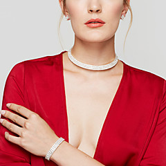 Női Ékszer készlet Beszúrós fülbevalók Rövid nyakláncok Tenisz karkötő Divat Menyasszonyi elegáns jelmez ékszerek Hamis gyémánt Circle