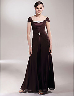 Lanting Sheath/Column Plus Sizes / Petite Mother of the Bride Dress - Chocolate Floor-length Short Sleeve Chiffon / Satin