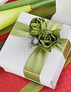 kvadrat favør boks med grønn rose (sett av 12)