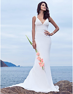 Lanting Bride® Trumpet / Mermaid Plus Sizes / Petite Wedding Dress - Chic & Modern Sweep / Brush Train V-neck Chiffon with