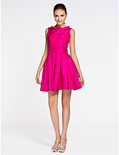 Lanting Bride® Short / Mini Taffeta Bridesmaid Dress A-line / Princess Bateau Plus Size / Petite with Draping / Pleats