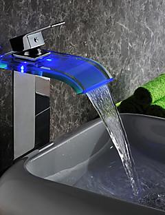現代の主導バッテリーの電力ガラスの浴室のシンクの蛇口クローム仕上げ(背の高いです)