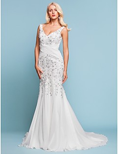 Lanting Bride Trumpet/Mermaid Petite / Plus Sizes Wedding Dress-Court Train V-neck Chiffon