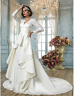 Lanting Bride® A-line Petite / Plus Sizes Wedding Dress - Classic & Timeless / Elegant & Luxurious Vintage Inspired Chapel Train V-neck