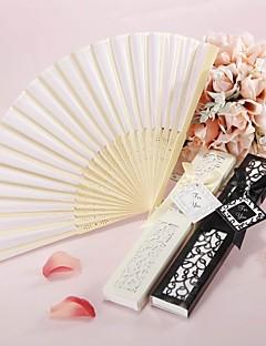 luxueuze zijde de hand ventilator in een elegante, laser-cut geschenkdoos