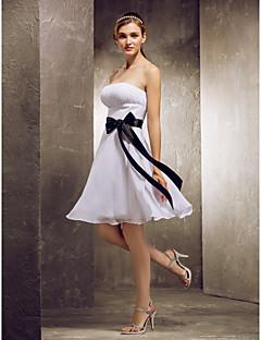 신부 들러리 드레스 - 화이트 A라인 무릎길이 스트랩 없음 쉬폰 플러스 사이즈