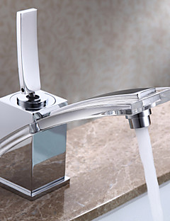 Bathroom Sink Faucet in Post Modern Sytle with Chrome Finish Faucet