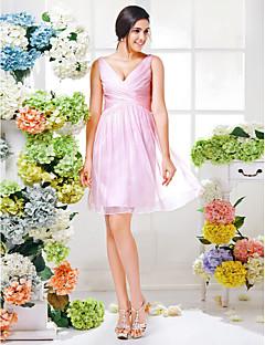גזרת A צווארון וי באורך  הברך שיפון שמלה לשושבינה  עם בד בהצלבה סלסולים על ידי LAN TING BRIDE®