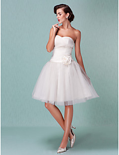 Lanting Bride® Ball Gown Petite / Plus Sizes Wedding Dress - Chic & Modern / Reception Little White Dresses Knee-length Sweetheart Tulle