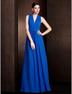 Lanting Bride® Longo Chiffon Vestido de Madrinha - Linha A / Princesa Decote V Tamanhos Grandes / Mignon com Pregueado / Faixa / Fita