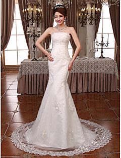 Trumpet/Mermaid Court Train Wedding Dress -Strapless Lace