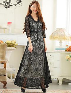 Formal Evening Dress - White/Black A-line V-neck Floor-length Lace
