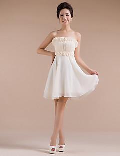 שיבה הביתה קצרה / שמלת השושבינה שיפון מיני - נדן שמפניה / סטרפלס עמודה