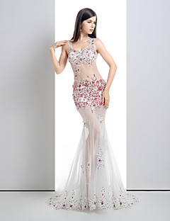 Formal Evening Dress - White Petite Trumpet/Mermaid V-neck Court Train Lace / Tulle