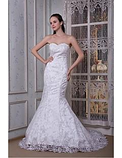 Trumpet/Mermaid Wedding Dress Floor-length Strapless Lace