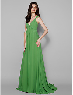 Sweep/Brush Train Georgette Bridesmaid Dress - Clover Plus Sizes / Petite A-line V-neck