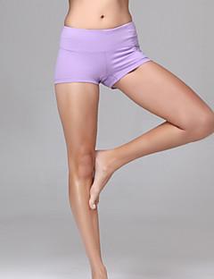 מכנסיים קצרים יוגה לנשים גרביונים הפתילה / דחיסה / חומרים קלים אחרים / פילאטיס / כושר (צבעים אקראיים)