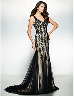 TS Couture® Formal Evening / Black Tie Gala Dress Trumpet / Mermaid V-neck Sweep / Brush Train Tulle with Appliques